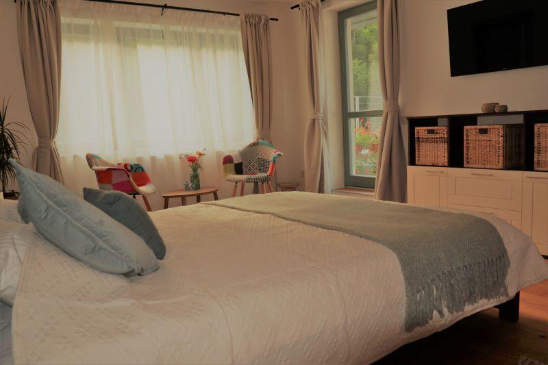 room5_small800